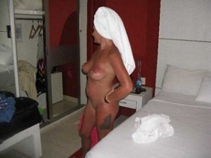 Kelly-ann escort footjob Ville-d'Avray, 92