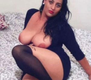 Alliya escort girl en club Arcueil 94